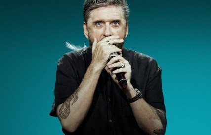 CraigFerguson_Netflix_ticklefight